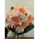 bouquet rond roses et pivoines