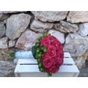 Bouquet roses fuschia epericum vert